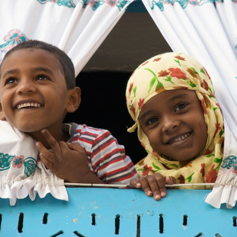 صور: الإمارات واليمن : التعمير بعد التحرير