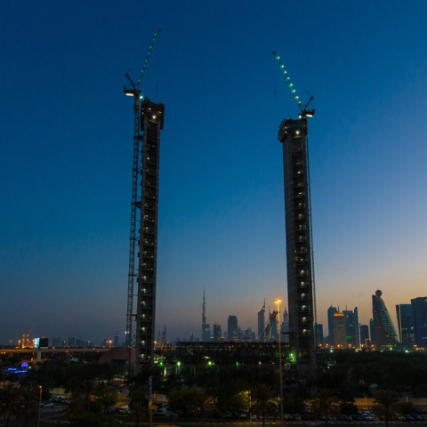 Photo: Dubai Gets Ready to be Framed