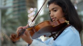 صور: فاطمة الرقباني .. الموسيقى منذ الصغر