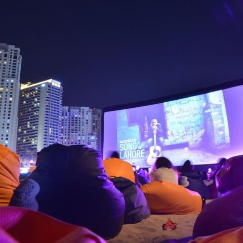 صور: أفلام مجانية في دبي