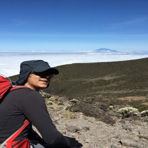 صور: علي الشنار .. إماراتي على القمة