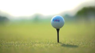 العب الغولف في دبي