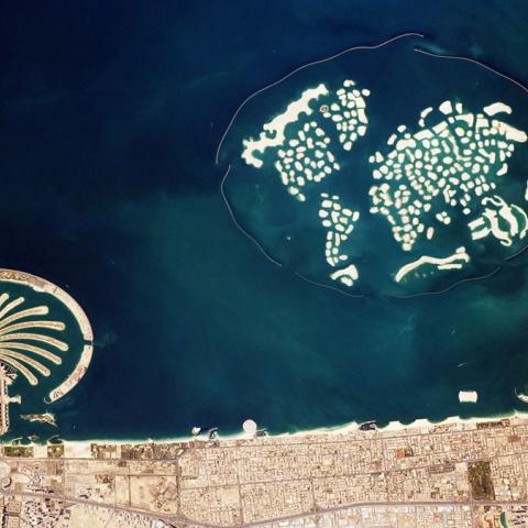صور: دبي من الفضاء