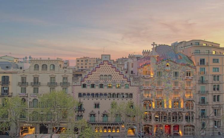 برشلونة حيث بيكاسو وميسي