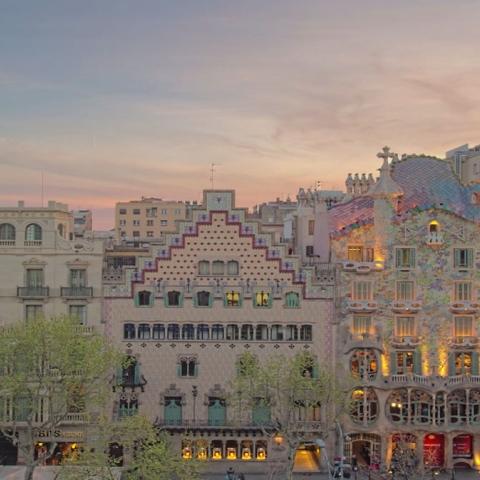 صور: برشلونة حيث بيكاسو وميسي