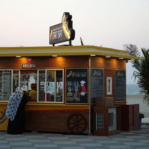 صور: عربات الطعام تتزايد في دبي