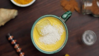 Healthy and Smart... Turmeric Smoothie