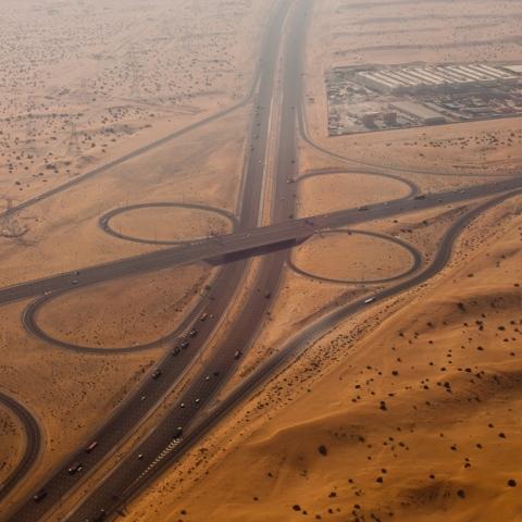 صور: طريق أقصر إلى عُمان