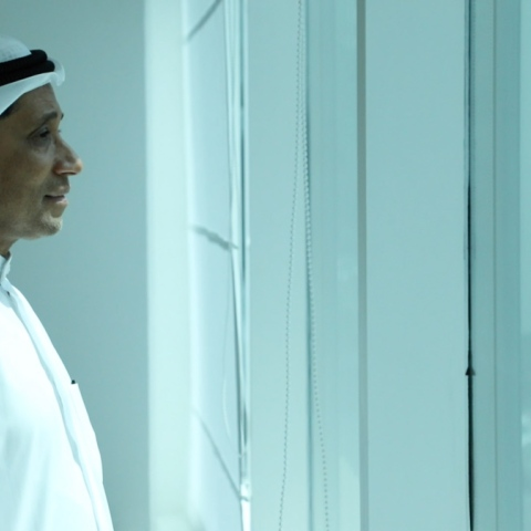 ${rs.image.photo} إسماعيل النيسر: السعادة عطاء للمرضى