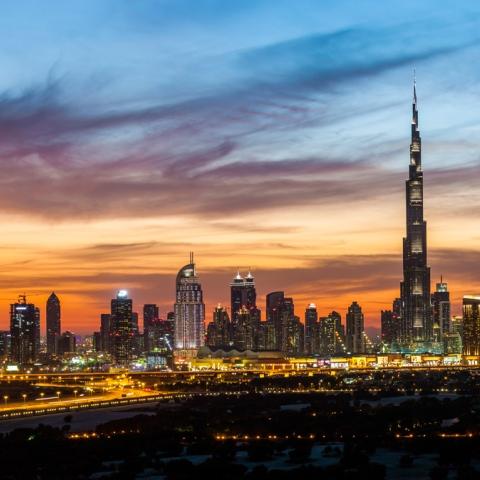 صور: دبي مدينة السحاب