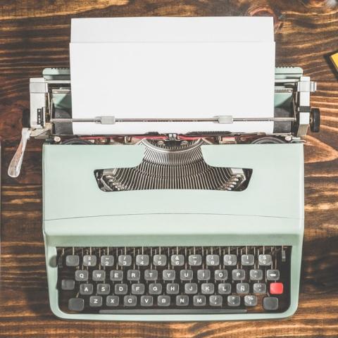صور: لوحات فنية بآلة كاتبة