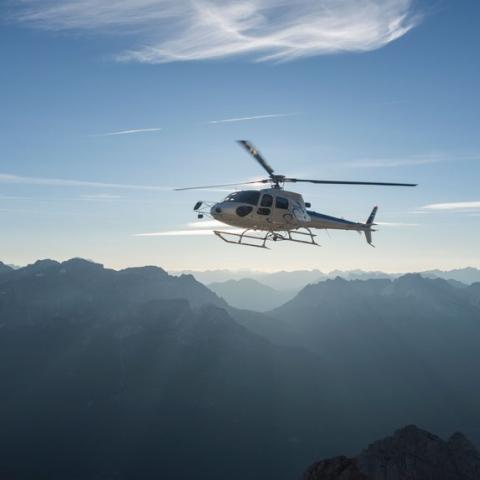 صور: هليكوبتر تاكسي