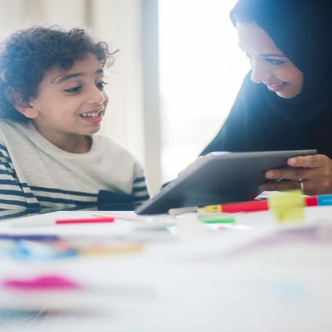 صور: طرق حماية الأطفال من العالم الافتراضي