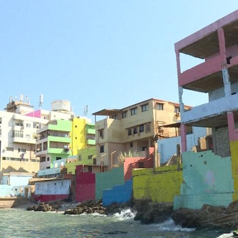 صور: الألوان تُعيد الحياة لقرية