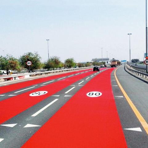 صور: الأحمر ضد السرعة