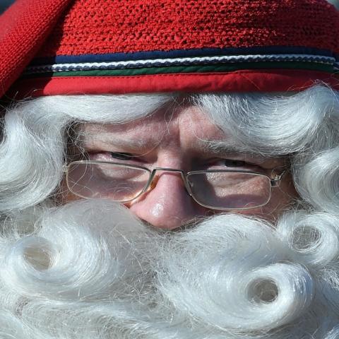 """صور: كيف تكون """"سانتا كلوز""""؟"""