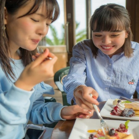 صور: اليابان.. بلاد المقاهي الغريبة