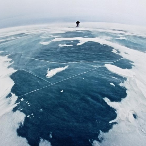 """صور: من """"يملك"""" القطب الشمالي؟"""