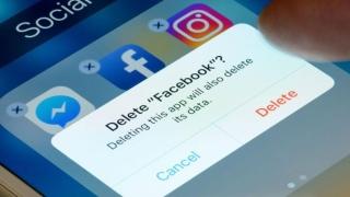 صور: هل ستحذف حسابك على فيسبوك؟