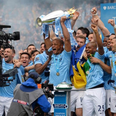Photo: ManCity.. Champions of England!