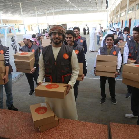 """صور: بنك الطعام الإماراتي""""يكافح الجوع"""""""