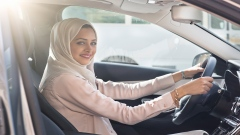 Saudi women get behind the wheel