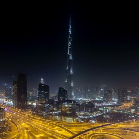 صور: برج خليفة يوحد الشعوب في كأس العالم