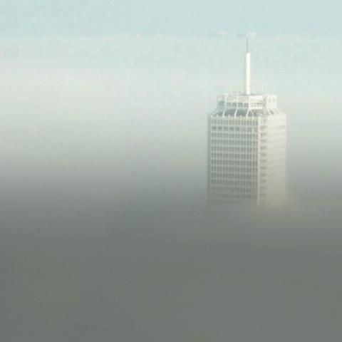 """صور: لماذا تظهر صورة مركز دبي التجاري العالمي أو """"برج راشد"""" على بعض الأوراق المالية في الإمارات؟"""