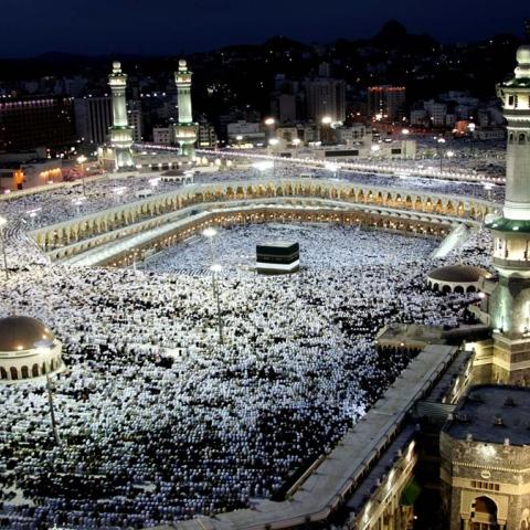 صور: حجاج الإمارات يصلون السعودية