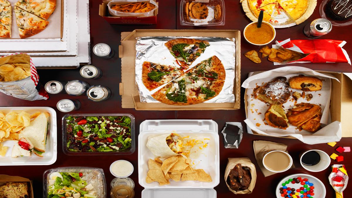 أطعمة غريبة يمكنك تجربتها في دبي