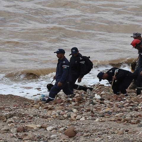 """صور: الغطاس زاهر العجالين.. """"بطل قومي أردني"""" في خضم فاجعة البحر الميت"""