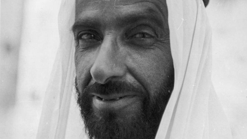"""صور: """"صانع المستحيل"""" .. مبادرة """"دبي بوست"""" لتخليد مآثر زايد الخير"""