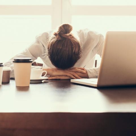 صور: اليابان.. ينام الموظفون في وقت العمل
