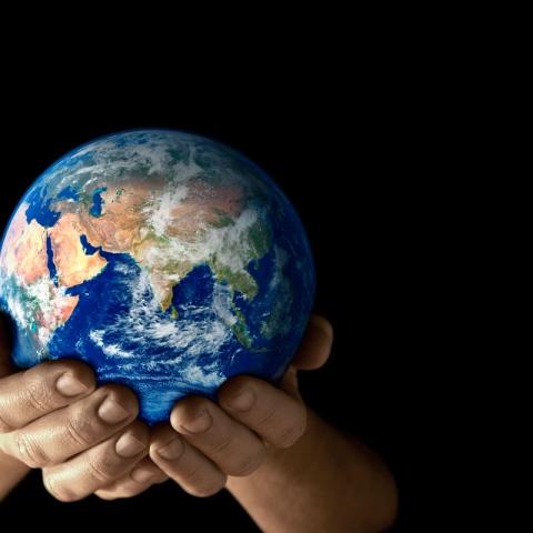 """صور: ما هو أصل الاحتفال بـ""""يوم الأرض""""؟"""