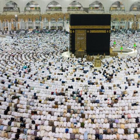 """صور: الأراضي المُقدّسة تستعد لـ""""رمضان"""""""