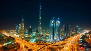 دبي تسابق الزمن