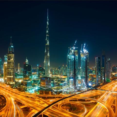صور: دبي تسابق الزمن