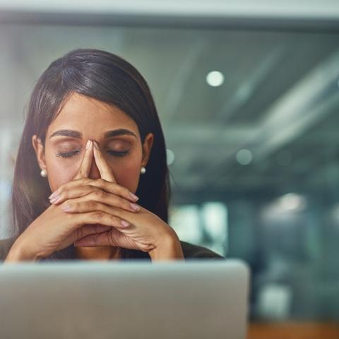 صور: خمس نصائح للاستمتاع ببيئة عمل مريحة وتجنب الضغوطات أثناء الإجازة