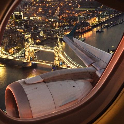 صور: تصرفات تعرضك للمشاكل عند السفر