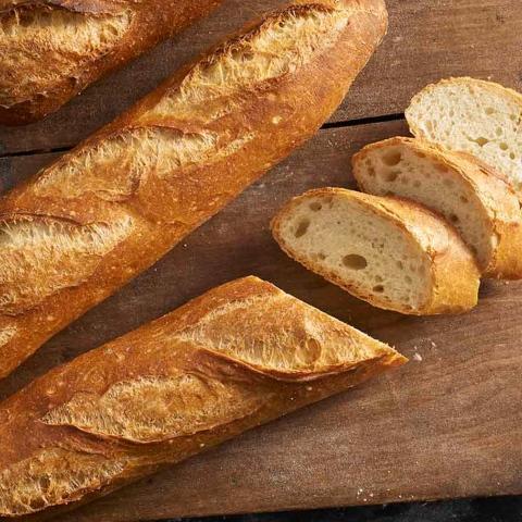 صور: خبز الباغيت الفرنسي رمز للمساواة