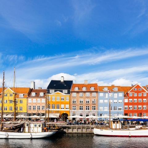 صور: أشهر المدن النابضة بالألوان في العالم
