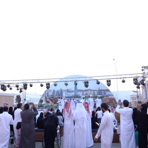 صور: تراث الإمارات يتألق في مهرجان سوق عكاظ العريق بالطائف