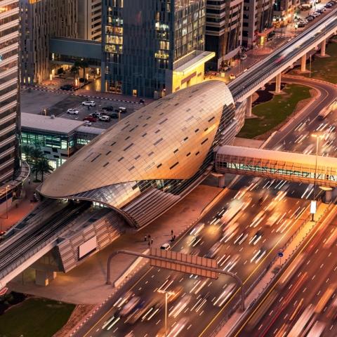 صور: محطات مترو دبي.. تصاميم متميزة