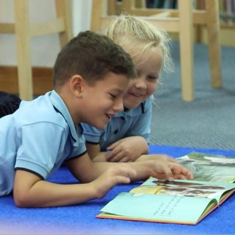 صور: المدارس الخاصة في دبي.. حاضنات التسامح لتخريج آلاف الطلبة العالميين
