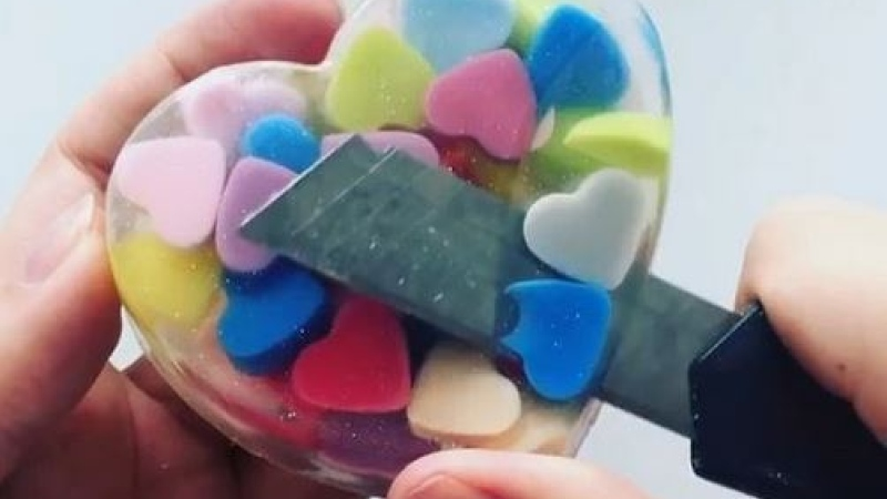 Photo: Why are oddly satisfying videos so pleasing?