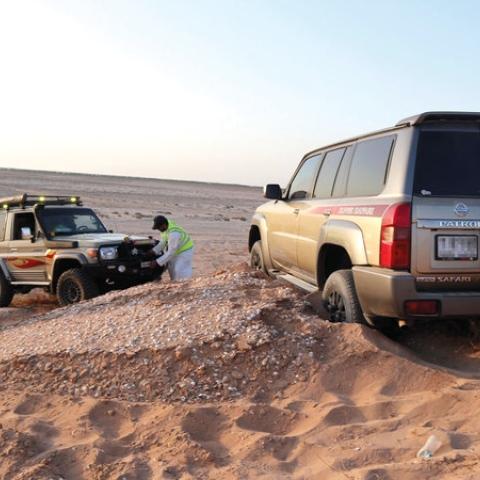 """صور: فريق """"إنقاذ الإمارات"""".. استجابة على مدار الساعة"""