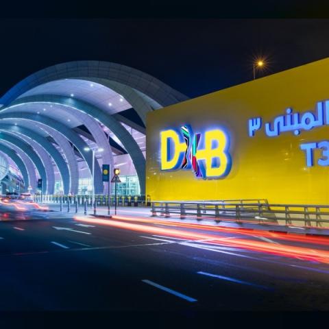 """صور: مليون مسافر عبر """"مطار دبي الدولي"""" خلال نهاية هذا الأسبوع"""