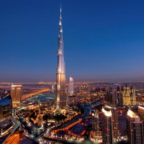 صور: كم يُكلف الإعلان على أعلى مبنى في العالم؟
