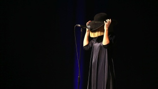 Sia Sets Sights on Dubai