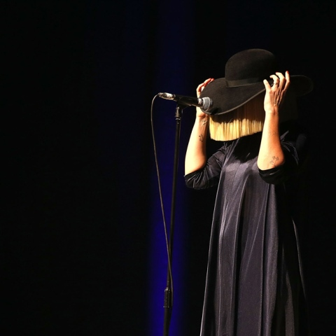 Photo: Sia Sets Sights on Dubai